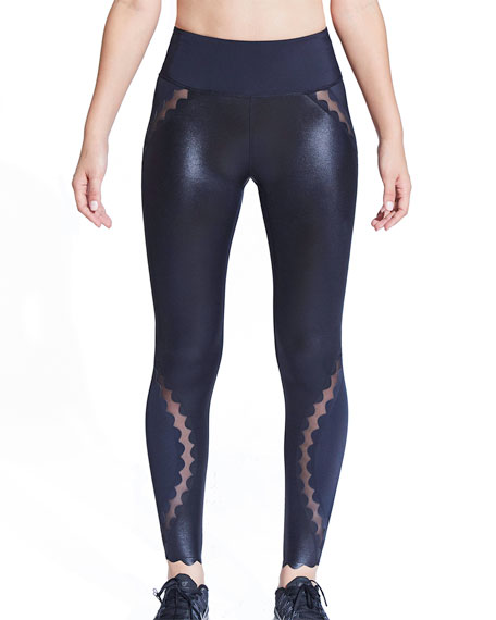 Urban Savage Scallop High-Rise 7/8 Leggings