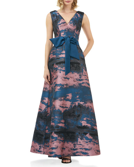 Kay Unger New York Valentin Abstract Jacquard V-Neck Sleeveless Gown w/ 3D Bow