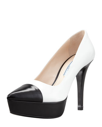 Bi-Color Cap-Toe Platform Pump. White/Black