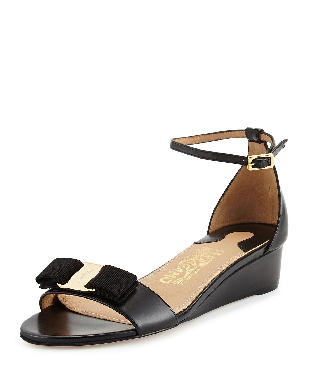 Bow Wedge Sandal, Nero