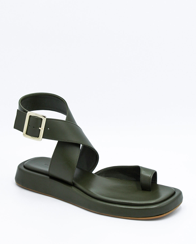 Toe-Ring Flat Sporty Sandals