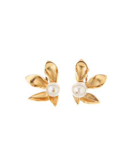 Oscar de la Renta Pearly Flower Stud Clip On Earrings