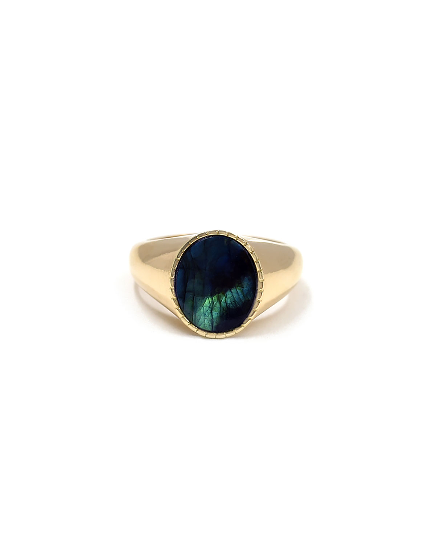 Markle Labradorite Oval Signet Ring