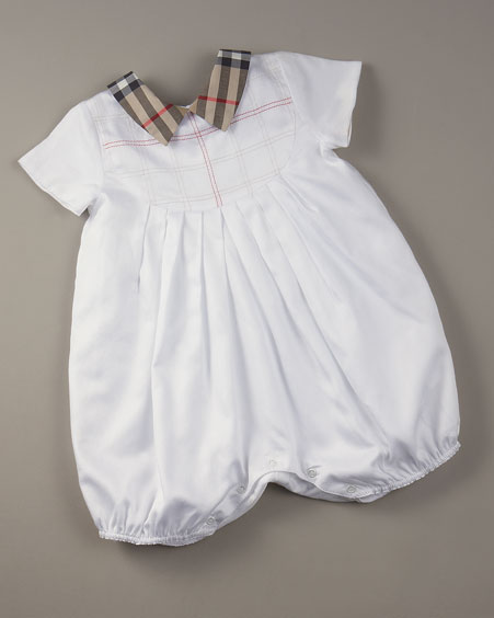 اشكال ملابس لحديثي الولادة