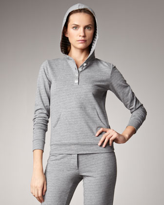 This EA7 Emporio Armani is crafted of soft cotton jersey for sleepy mornings