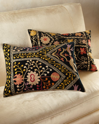 Pale Embroidery Velvet Pillow