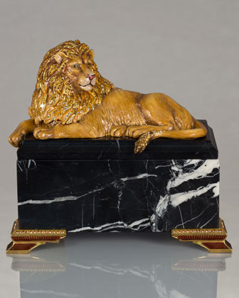 Lion on Marble Box