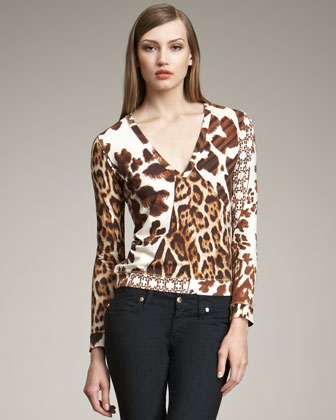 A casual top and jeans have never looked this goodthis fitted Just Cavalli ...
