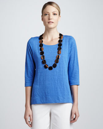 Three-Quarter-Sleeve Modest Linen Tee