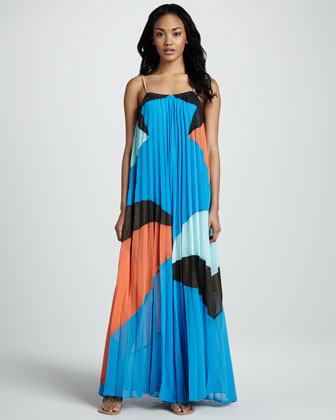 Quilla Qua Pleated Maxi Dress